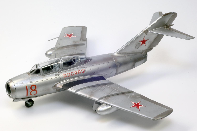 1/72 MiG-15 UT(I ミグ15複座型...